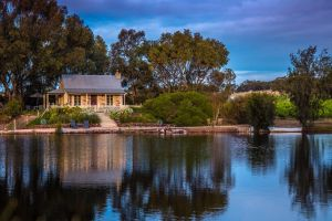 Stonewell Cottages and Vineyards - WA Accommodation