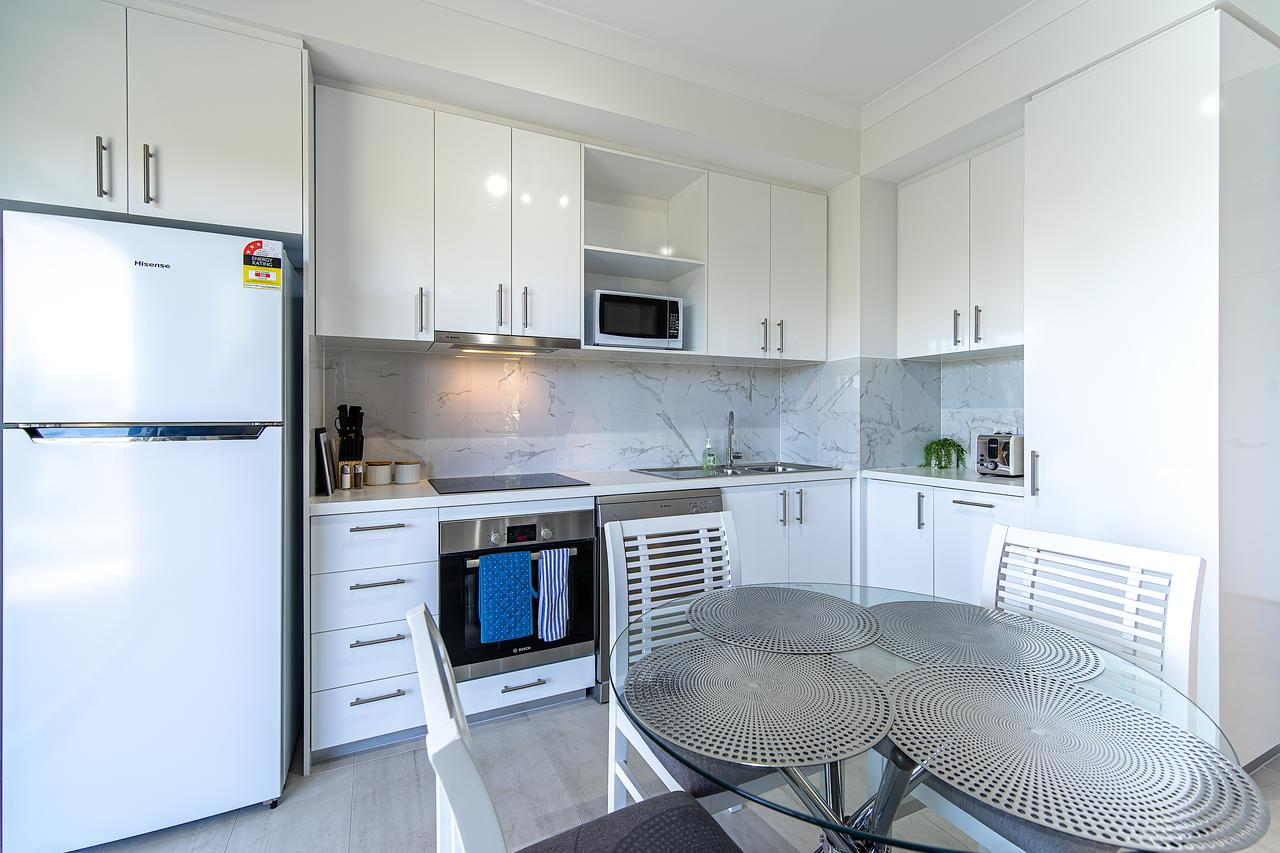New Apartment On Great Location Opposite Garden City : 02 - WA Accommodation